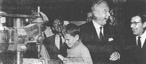 Jean-Louis Lacasse et le Premier Ministre du Canada M. John Diefenbaker en 1965